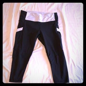 Lululemon run mod moves capris crop leggings